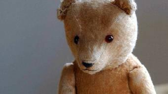 Teddybären werden oft zum Schmuggeln zweckentfremdet (Symbolbild)