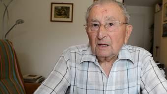 Der 97-Jährige aus Liestal erzählt eine der für ihn prägendsten Anekdoten seiner Aktivzeit im Zweiten Weltkrieg. (Liestal, 28. August 2019)
