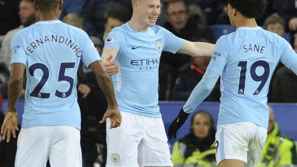 Machte mit dem 2:0 in Leicester alles klar: Manchester Citys Kevin De Bruyne (Bildmitte)