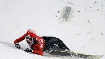 Simon Ammann übersteht seinen Trainingssturz unverletzt