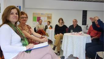 Die Gesprächsleiterin Anna Secreti Zbinden und Verena Zimmermann vom organisierenden Team des Café Philo.
