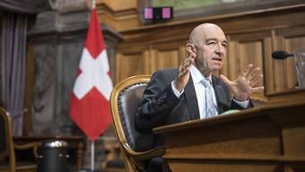 Daniel Jositsch (SP/ZH) führte als Kommissionssprecher durch die Anti-Terror-Vorlagen im Ständerat. Die kleine Kammer beschloss unter anderem eine Erhöhung des Strafmasses für kriminelle Organisationen und Terrorgruppen.