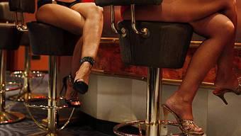Die 19-jährige Geschädigte soll gewusst haben, dass sie als Prostituierte arbeiten werde, befand das Gericht. (Symbolbild)
