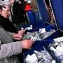 Mit dem Verzicht auf den Papierfahrplan spare der ZVV rund eine Million Franken an Druck- und Vertriebskosten.