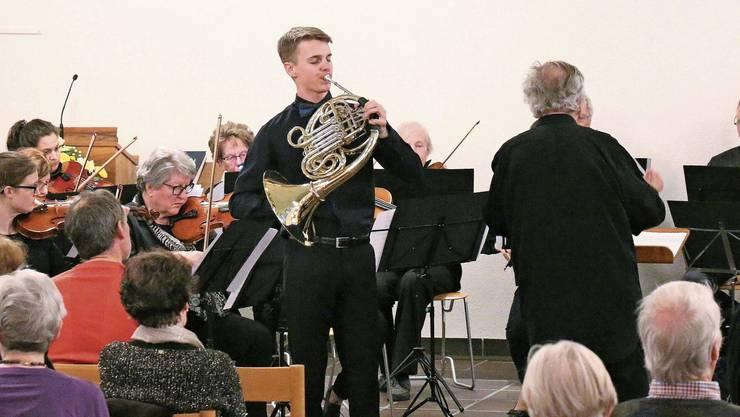 Das Streichorchester Dietikon zusammen mit Solist Emanuel Pestalozzi am Waldhorn begeisterte das Publikum.