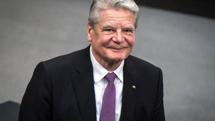 Der ehemalige Bundespräsident Joachim Gauck erhält im November 2017 ein Bambi für seinen Einsatz für Weltoffenheit und Toleranz. (Archiv)
