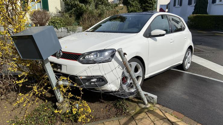Auf der Altenburgstrasse missachtete eine Autolenkerin den Vortritt eines Lieferwagens.