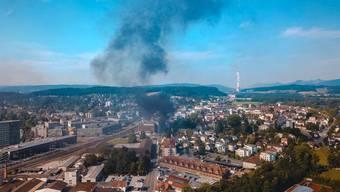In der Aarauer Innenstadt brennt es – das Drohnenvideo zeigt denMediapark aus der Luft.