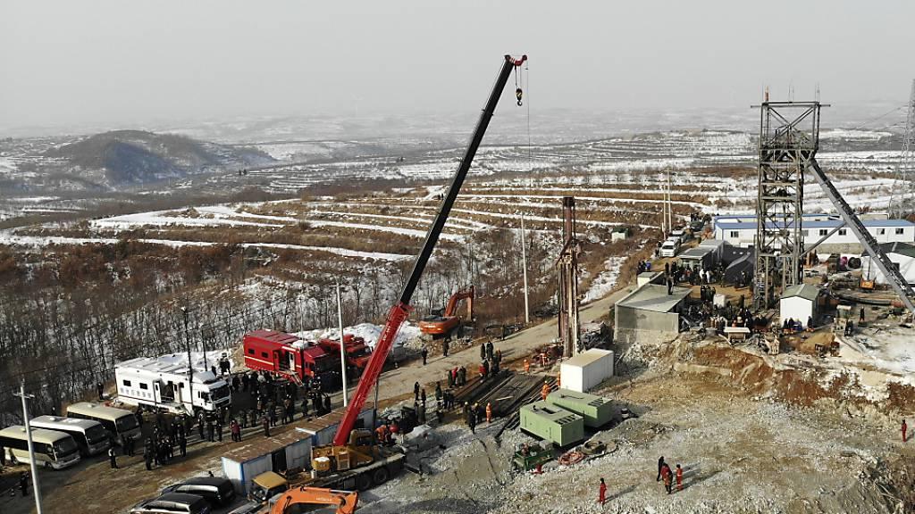 Eingesperrte Bergleute in China schicken Nachricht an Retter