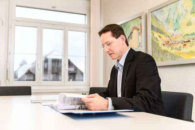 Gemeindepräsident Michael Ochsenbein will, dass ein Ruck durch sein Dorf geht. Die Zahl der Sitze im Gemeinderat von Luterbach werden auf sein Bestreben hin verdoppelt.