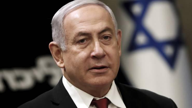 Israels Ministerpräsident Benjamin Netanjahu hat nach der Parlamentswahl seinen ärgsten Rivalen Benny Gantz zur Bildung einer Einheitsregierung aufgerufen.
