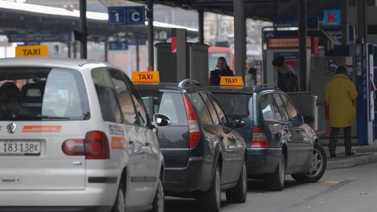 Der Badener Einwohnerrat weist das neue Taxireglement an den Stadtrat zurück.