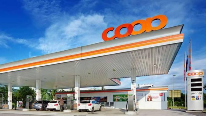 Schon im Juli wurde die Coop Pronto Tankstelle in Wettingen Opfer eines Raubüberfalls.
