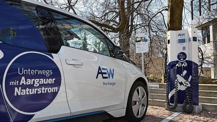 E-Mobilität nimmt bei der AEW zunehmend Fahrt auf.