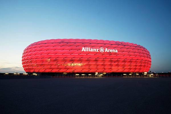 2. Platz: Fussballreise nach Dortmund oder München für zwei Personen im Wert von CHF 1'000.-