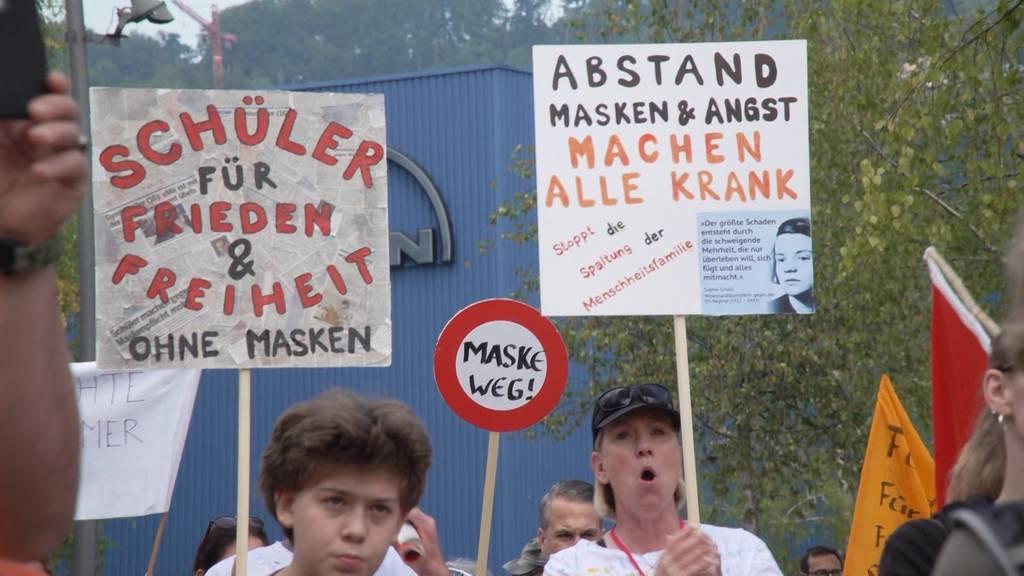 Zürich: Rund 500 Personen demonstrieren gegen die Corona-Massnahmen