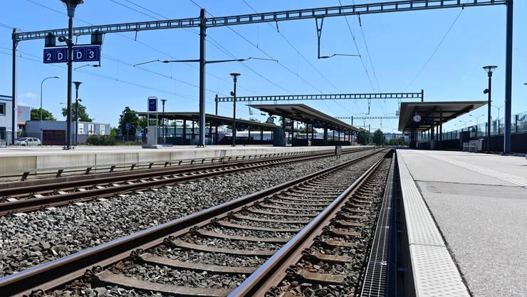 In Dulliken halten weiterhin kaum Züge. Die Reisenden sind auf Ersatzbusse angewiesen.