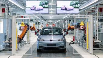 Volkswagen-Werk in Zwickau: Wo früher Trabis vom Band rollten, werden heute moderne E-Autos gebaut.