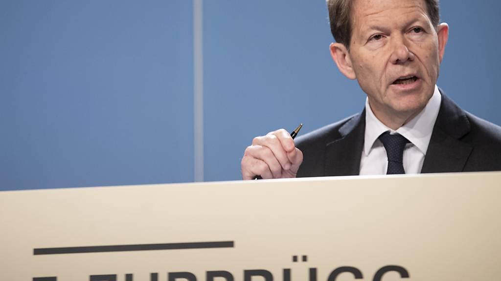 Nach SNB-Präsident Thomas Jordan muss mit Fritz Zurbrügg ein weiteres Mitglied des dreiköpfigen Notenbank-Direktoriums unters Messer. (Archivbild)
