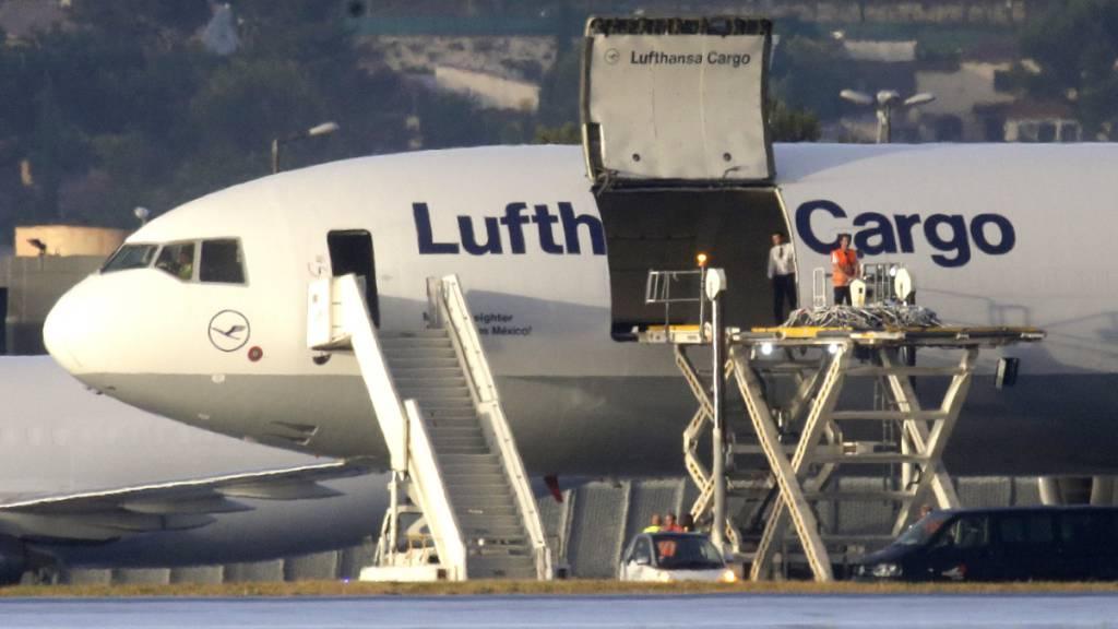 Lufthansa schickt 80 Tonnen Obst und Gemüse nach Grossbritannien