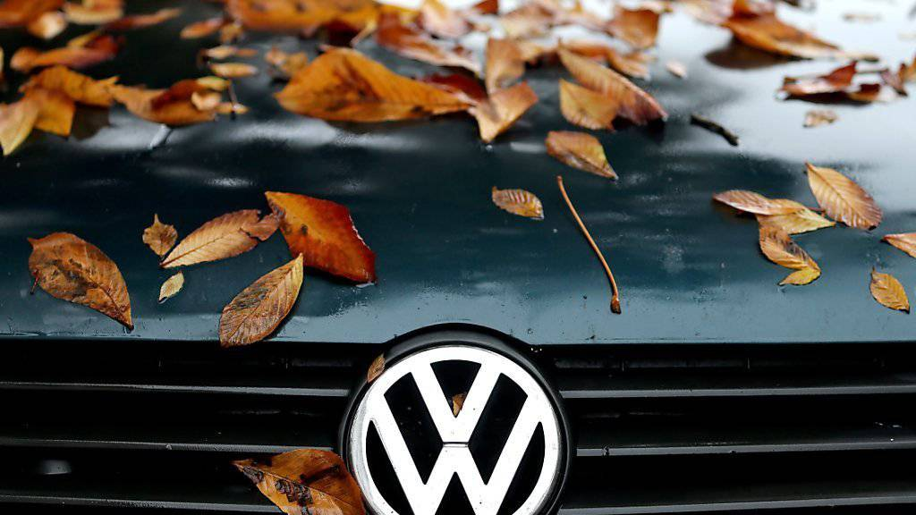 Der Abgas-Skandal drückte bei VW im Herbst auf die Verkaufszahlen.