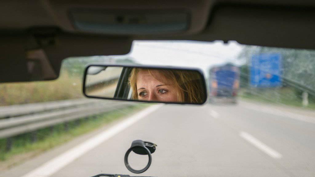 Auf den deutschen Autobahnen in der Grenzregion zur Schweiz kommt es immer wieder zu illegalen Rennen. (Symbolbild)
