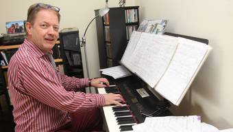 Hier werden die Stücke der «Funky Swing Band» geboren: Ruedy Lehnherr am Komponieren.