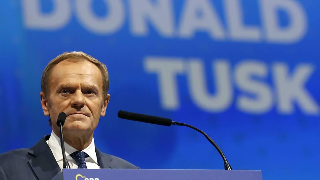 Bleibt an der Spitze - einfach woanders: Donald Tusk wechselt vom Posten des EU-Ratspräsidenten zum jenem des Chefs der Europäischen Volkspartei, dem Zusammenschluss der Christdemokraten im EU-Parlament, immerhin die grösste Fraktion.
