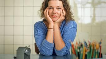 Milena Moser: «Für das neue Buch habe ich Fotos gemacht und da bin ich quasi ungeschminkt, windezerzaust.»GAETAN BALLY/KEY