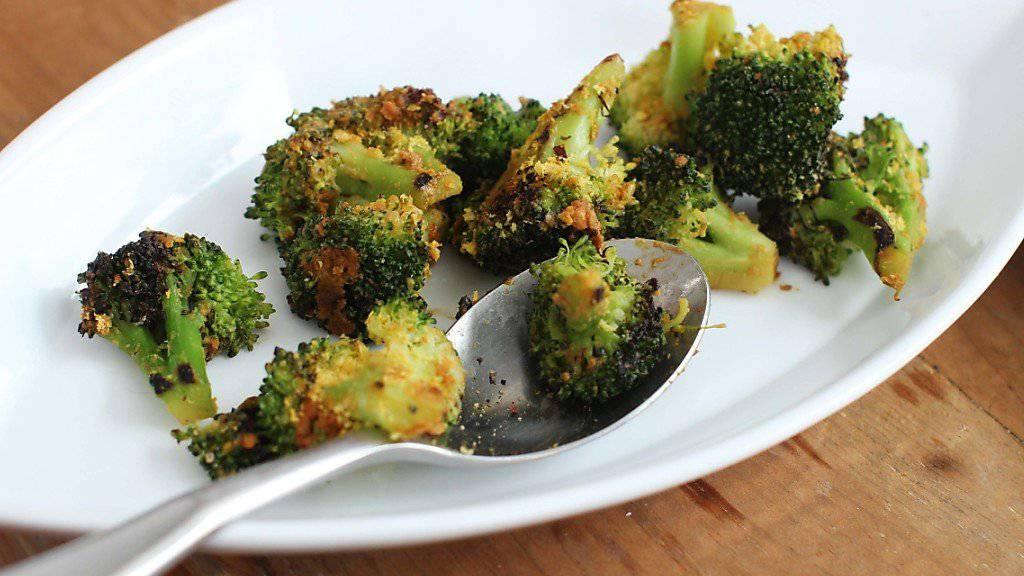 Ein natürlicher Bestandteil von Broccoli unterstützt spezifisch die Wirkung eines experimentellen Krebsmedikaments in Darmkrebszellen. (Archivbild)