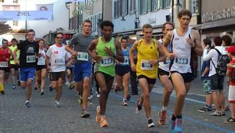 Andreas Rüedlinger (369) bereits nach dem Start an der Spitze.