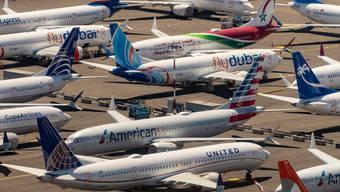 «Gestrandete» Boeing 737 Max 8 Maschinen: Seit dem Flugverbot werden weltweit hunderte Maschinen auf Rollfeldern, Vorplätzen und sogar Auto-Parkplätzen zwischengelagert.