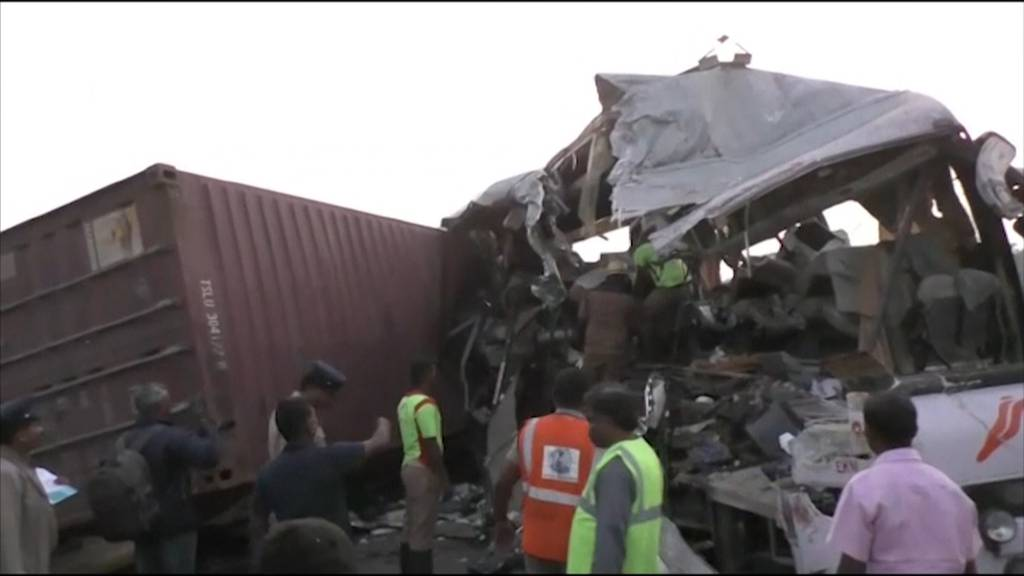 Indien: 19 Tote bei Kollision zwischen Bus und LKW