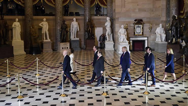 In den USA haben die formalen Prozeduren für das Amtsenthebungsverfahren von US-Präsident Donald Trump begonnen.