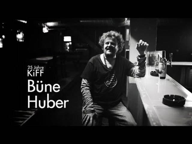 Büne Huber von Patent Ochsner über seine Erinnerungen an 25 Jahre KiFF, Viergang-Menüs aus der Küche und das Schoggimousse namens «Füdlifinger Fritz».