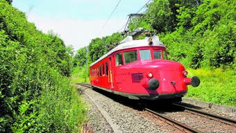 Ob der Rote Pfeil an einem feierlichen Eröffnungstag durch den neuen Bözbergtunnel fahren darf, hatten die SBB zu entscheiden.