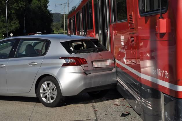 Das Bipperlisi erfasst den Wagen am Heck. Es gab keine Verletzten.