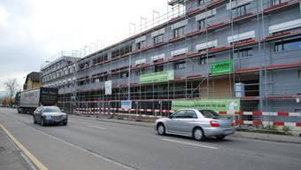 Starke Bautätigkeit: Bereits jetzt ist die Nachfrage nach neuem Wohnraum im oberen Freiamt, hier in Sins, angestiegen. (Bild: Eddy Schambron)