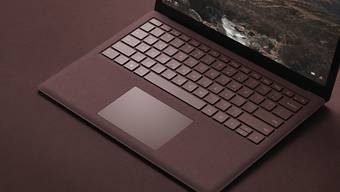 So sieht das neue Notebook Surface aus: Als Betriebssystem läuft eine spezielle Version von Windows 10.
