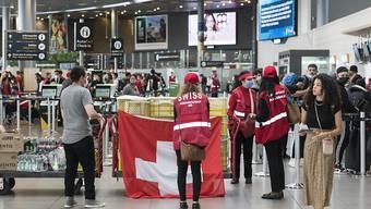 Ende einer historischen Rückholaktion: Am Mittwochabend ist das letzte vom Aussendepartement gecharterte Flugzeug mit im Ausland gestrandeten Schweizer Passagieren in Zürich angekommen.