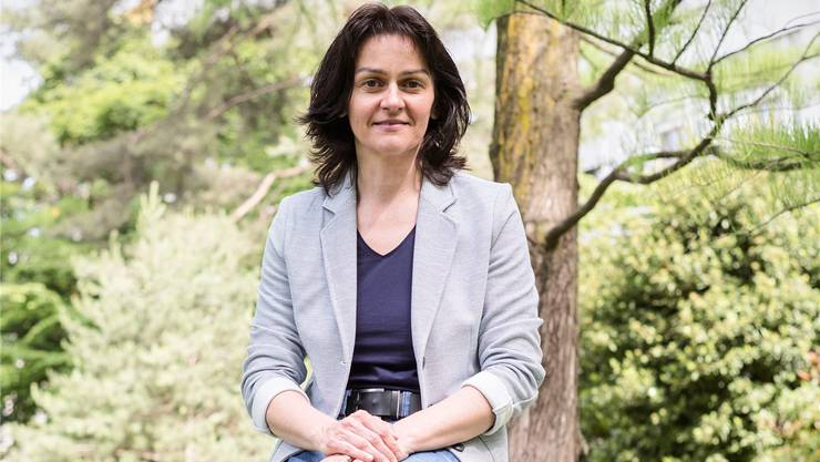 Die Steine-Sprengerin: Tatjana Binggeli im Garten des Basler Universitätsspitals.