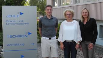 Martin Baksa (Jehle AG), Gabriela Reimann (Abteilungsleiterin Soziales) und Daniela Birri (stv. Abteilungsleiterin Soziales) sehen das Fricker Projekt als Erfolg.