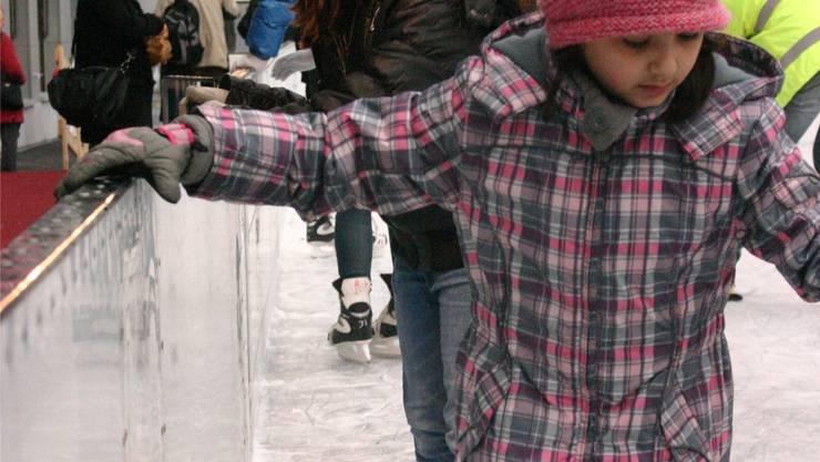 Die Kinder können sich auch dieses Jahr im Limmatfeld auf dem Eis tummeln. ARU