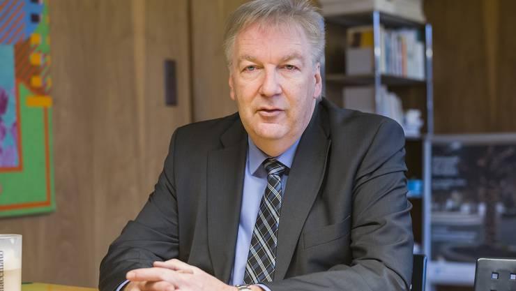 Wegen einem christlichen Flyer geriet der Riehener Gemeindepräsident Hansjörg Wilde in die Kritik.