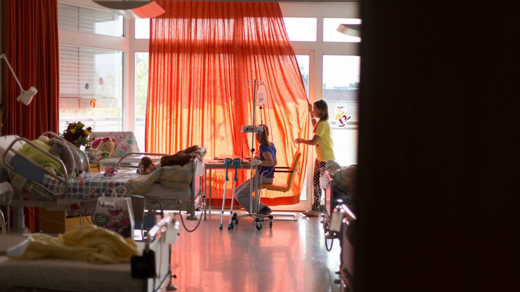 Das Universitäts-Kinderspital Zürich verzeichnet steigende Patientenzahlen und eröffnet deshalb einen neuen Standort. (Symbolbild)