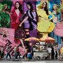 """Übergrosse, schillernde Werbeflächen in New York: Der israelische Fotograf Natan Dvir erkundet in seiner Serie """"Coming Soon"""" (2008-2014) die visuelle Wahrnehmung in einer kommerziell ausgerichteten Umgebung."""