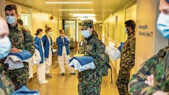 Helfer in der Krise: Das Spitalbataillon 66 im Kantonsspital Baselland auf dem Bruderholz.