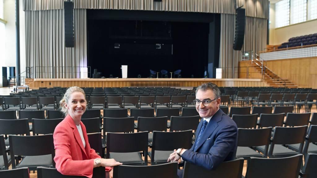 Elke Mayer, Managing Director Spoundation Motion Picture AG, und Christian Jungen, Artistic Director des ZFF, im neuen Zürcher Kongresshaus. Hier wird am 17. Zurich Film Festival etwa die Bond-Premiere gezeigt.