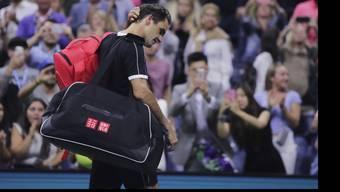 Enttäuschung bei Roger Federer nach seinem Aus im Viertelfinal bei den US Open.