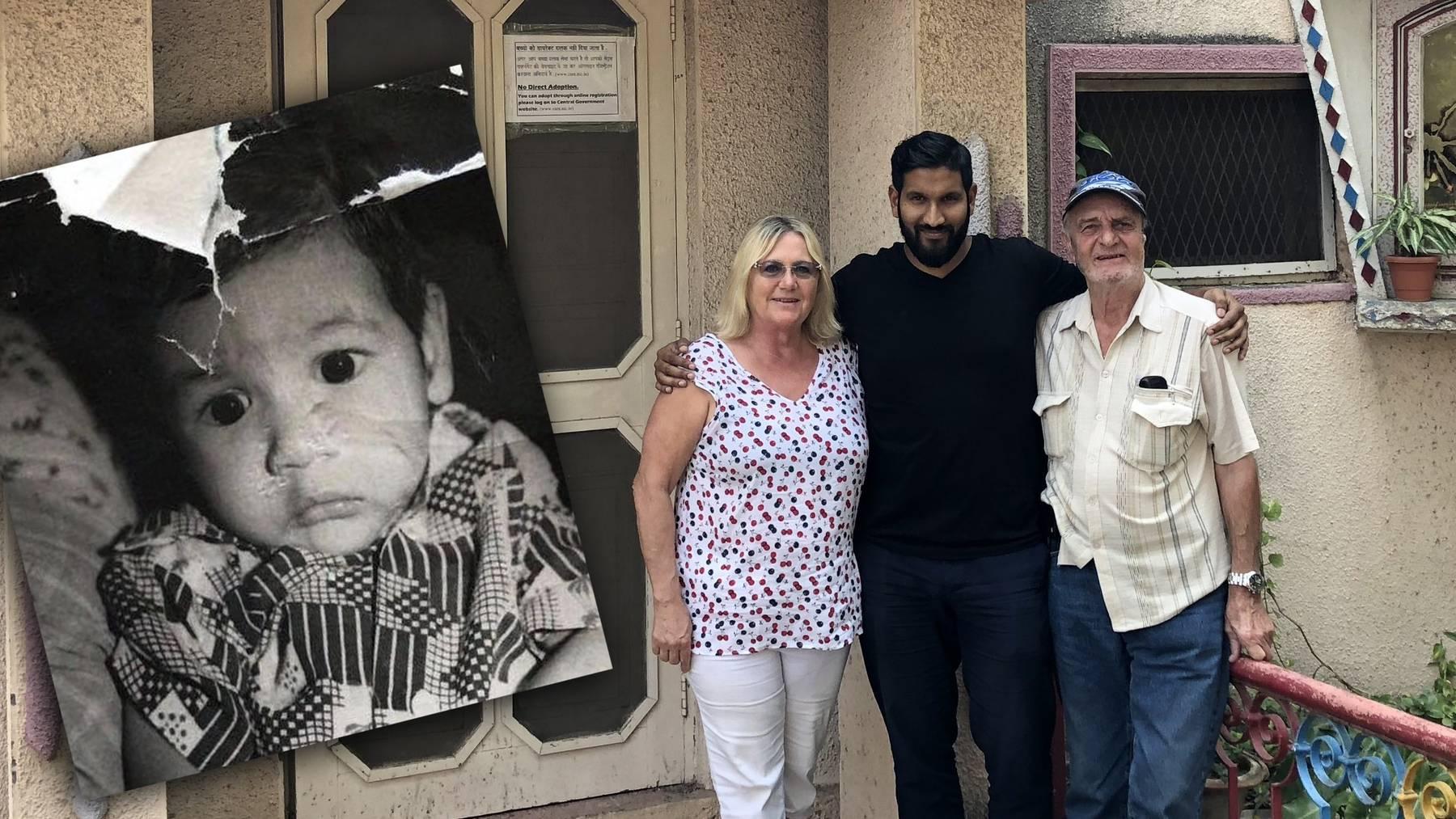 Pascal Amar Rüegg und seine Adoptiveltern sind zusammen nach Indien gereist. Das Schwarzweissbild zeigt ihn als Baby.